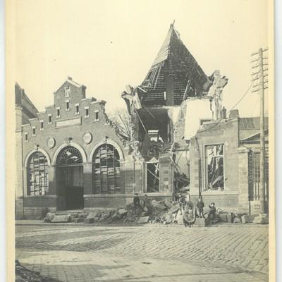 LeCateau_photo_Touly_1918_dommages_marche_couvert_exterieur_et_interieur_1.jpg