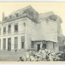 Un bâtiment de l'école des filles en 1918.