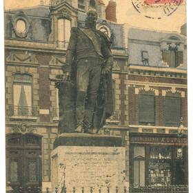 Carte postale de la statue du Maréchal Mortier