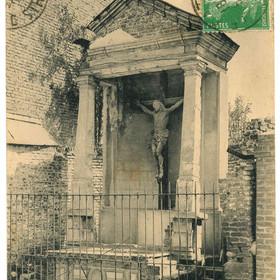 Carte postale du vieux calvaire sur la route du Quesnoy