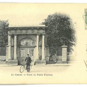 Porte du palais Fénelon
