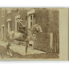 Un cavalier de l'armée anglaise au Cateau en 1919